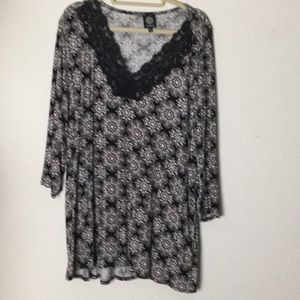 Bobeau jersey blouse with lace at collar 2X